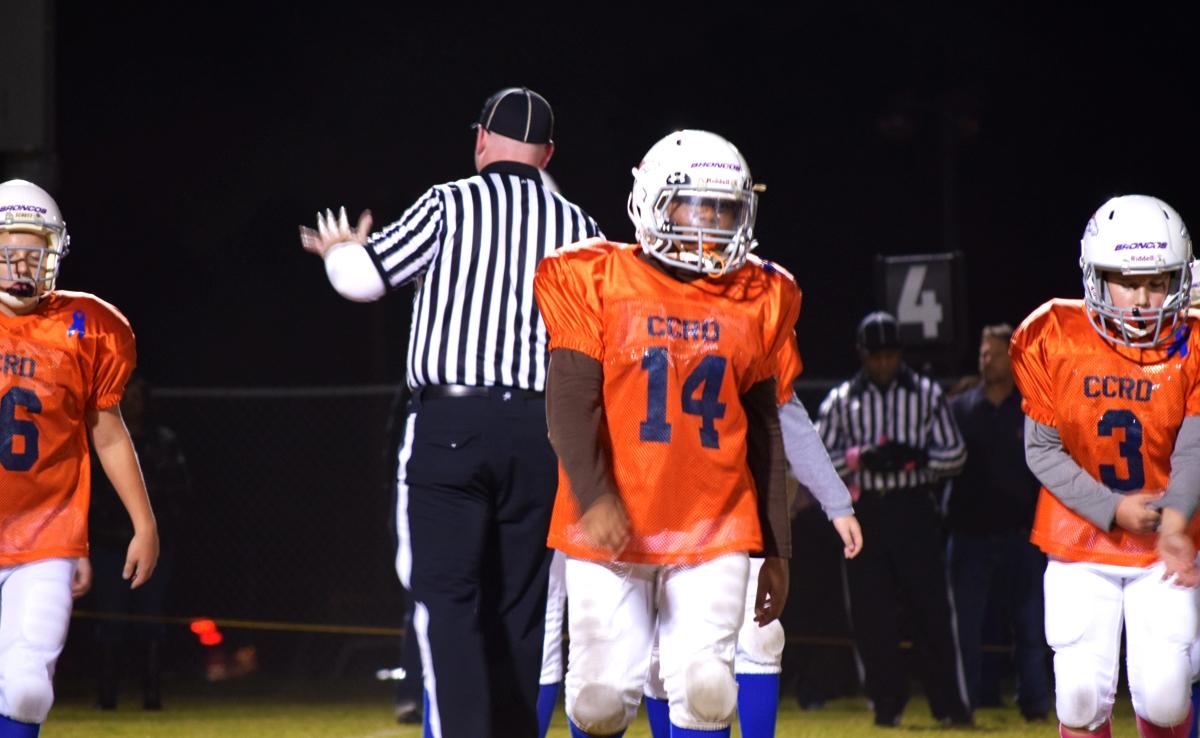 Broncos-10-19-15-36