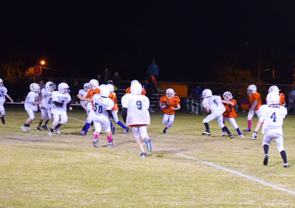 Broncos-10-19-15-38