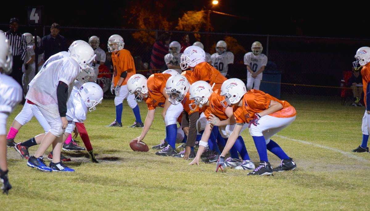 Broncos-10-19-15-39
