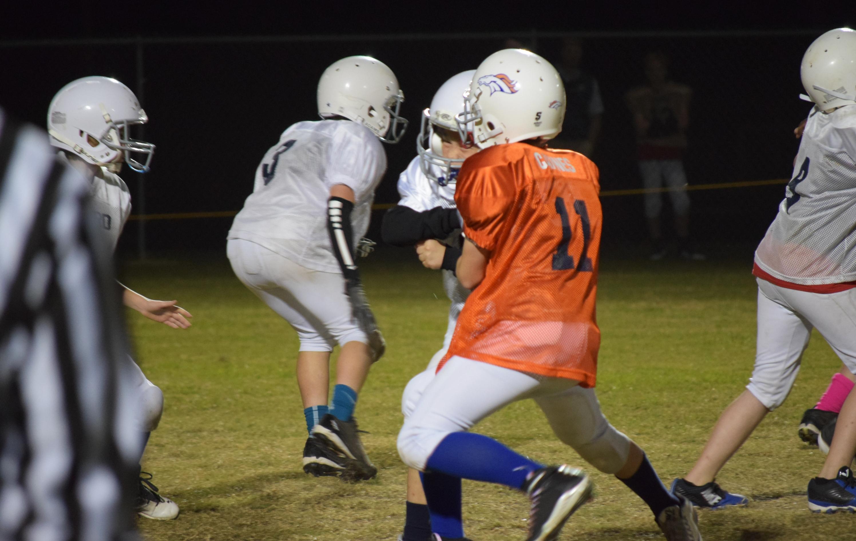 Broncos-10-19-15-42