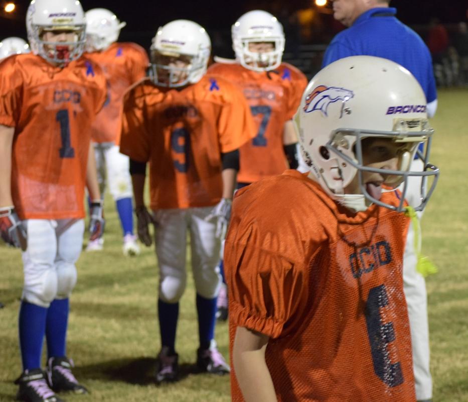 Broncos-10-19-15-50